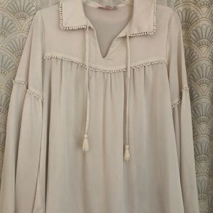 White collar blouse with ties